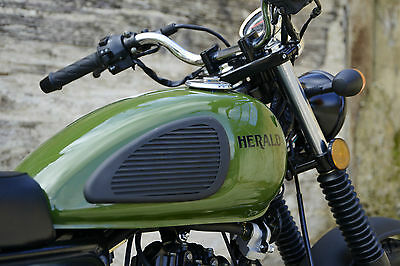 Herald Classic 125 Learner Commuter Motorcycle Brand New!