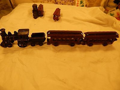 Antique cast iron Floor Train with two Passenger Cars, unknown Maker