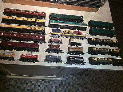 oo Gauge Job Lot Of Hornby, Lima & Other Wagons & Coaches