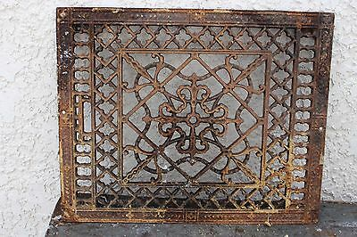 ANTIQUE CAST IRON ORNATE METAL FLOOR GRATE Heat Register Old Home Vent Farm