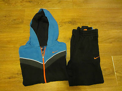 boys nike   tracksuit and size age 7-8
