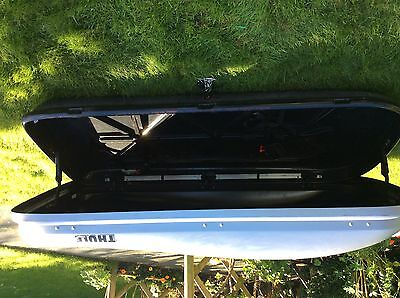 Large Thule Roofbox with adjustable roofbars