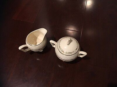 vintage sugar bowl and creamer shell krest made in U.S.A.