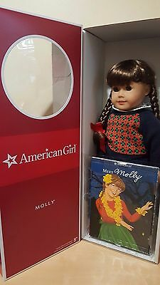 American Girl Molly Doll comes With Book and Glasses - Retired-