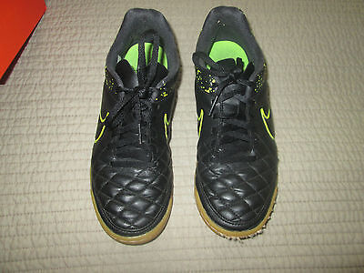 Nike TIEMPO Indoor Soccer Shoes / Cleats / Sneakers Black Neon Size 6.5 GUC