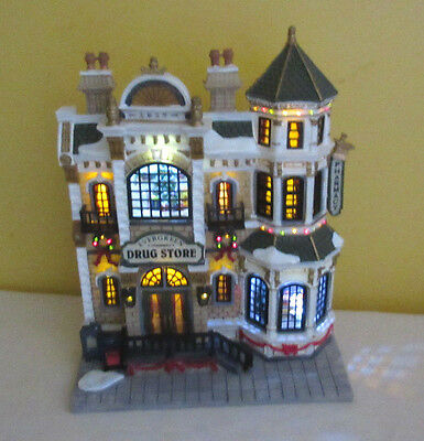 Lemax Evergreen Drug Store Light Up Village House with Box 2003 Fiber Optic