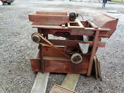 STANDARD like  AT FERRELL MODEL 1B CLIPPER FANNING MILL/SEED CLEANER 9 SCREENS