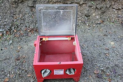 Power King sand blasting SBC1 cabinet sold with no reserve