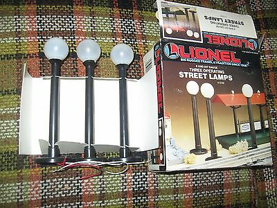 Lionel 0 Scale #12708 Three Operatiing Street Lamps