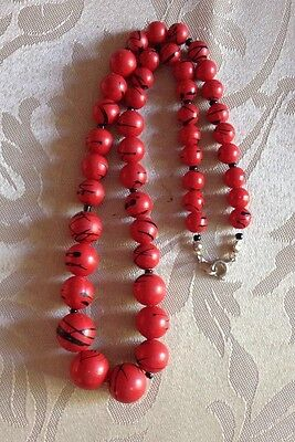 Necklace/Red and black beads/vintage style