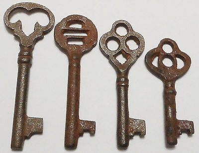 Antique Vintage REPRODUCTION Old Skeleton Keys SteamPunk Jewelry {Lot of 4} ><>