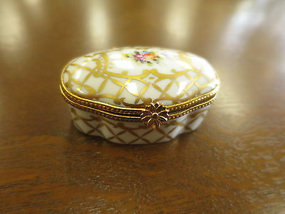 Limoges Hand Painted  Porcelain Trinket Pill Box