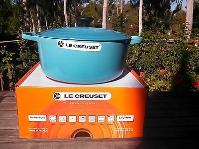 Le Creuset Round French (Dutch) Oven -7.25 Qt. - Caribbean Teal Blue - NIB!
