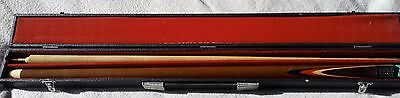 2 piece SNOOKER CUE with carry case BEAUTIFUL CONDITION