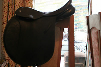 Cliff Barnsby 16.5 Medium/ Wide GP Saddle