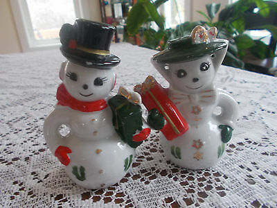 Salt and Pepper Shakers Mr./ Mrs. Snowman with Gifts Black Eyes