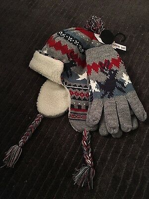 Boys large trapper hat and gloves really thick sng warm