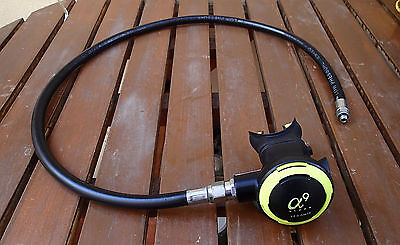 Oceanic Alpha a9 Second Stage with rubber LP hose
