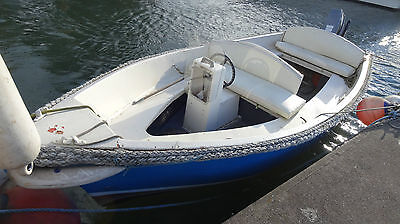 17 foot fishing boat  suzuki 15 hp out bored with electric start