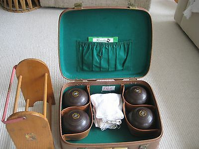 Henselite Lawn Bowls (Set of 4) with Wooden Rack