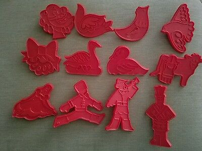 Vintage 1978 Chilton 12 Days of Christmas Red Plastic Cookie Cutters Set