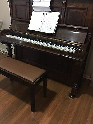 Piano Upright - Uncludes 5 year warranty