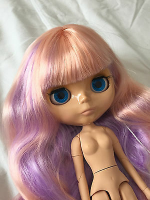 Pastel Hair Joint Body Tan Factory Blythe Doll with Extra Hands and Outfit