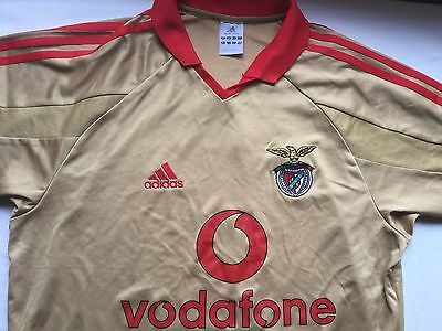 Benfica FC adult football shirt. Size Small.