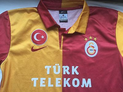 Galatasaray FC junior football shirt. For age approx. 13-15 years.