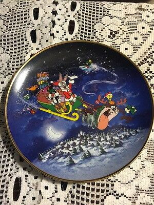 8 Inch Collectors Plate Looney Tunes What's Up Santa?