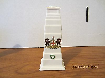 ARCADIAN crested 5.5ins (14cms) high china, WW1 Cenotaph, crest: City of London