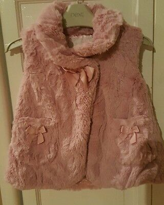 Girls pink fluffy body warmer gilet aged 3-4years imm cond