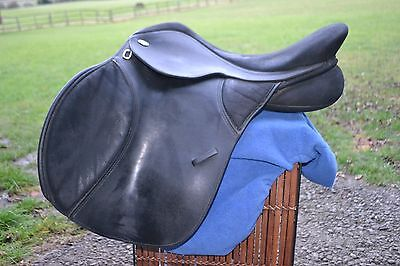 "T4 Original 17.5"" Thorowgood Saddle"