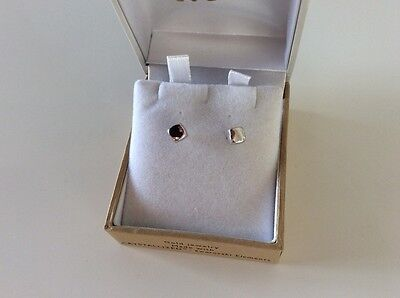 9 Ct 375 White Gold Stud Earrings - New