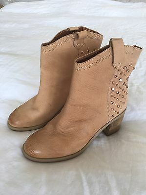 Nine West leather ankle boots size 7.5