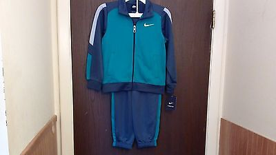 Boys Nike 2 Piece Outfit Size 6 Squadron Blue Gray & Green New With Tags