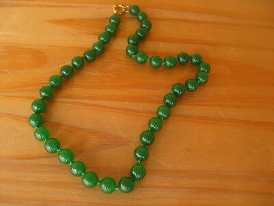 Chinese Hand Carved Green Jadeite Jade Round Beads Necklace Hand Knotted