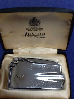 Ronson Varaflame lighter. Boxed. VINTAGE