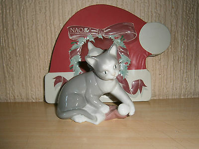 "Lladro/nao - ""kitty's Christmas""   - Perfect & Original Xmas Tin"