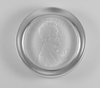 Vintage 1977 Lincoln Memorial Cent Penny Intaglio Glass Paperweight