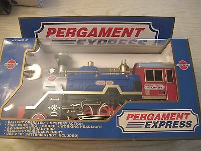 Pergament Express Train Engine Smoke, Horn, Headlight, Free Wheeling