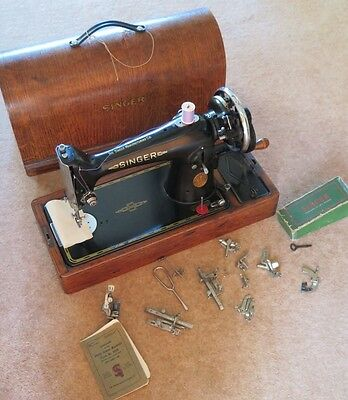 Vintage Singer Sewing Machine - with accessories