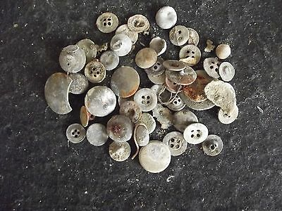 Antique brass and pewter buttons 15th/to18th century(Unsorted)