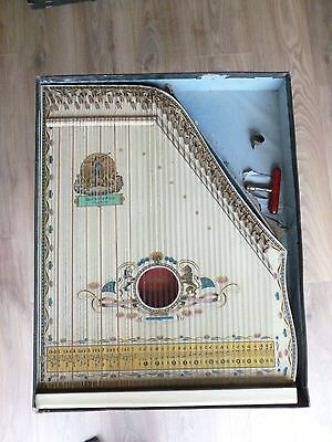Vintage Mandolin Harp Zither in Excellent Condition