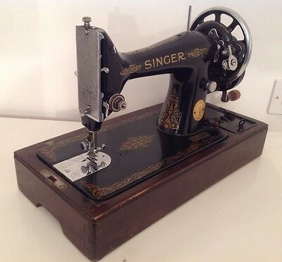 Vintage Singer Sewing Machine 99K CIRC 1944 Wooden Case With Lock & Key