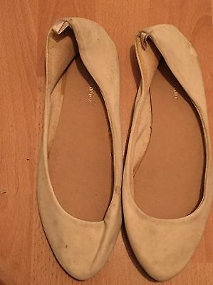 Cream Flat Shoes Size 5