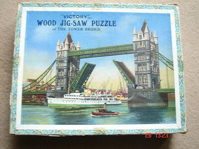 Vintage Victory jigsaw map TOWER BRIDGE LONDON 175 pieces wooden complete
