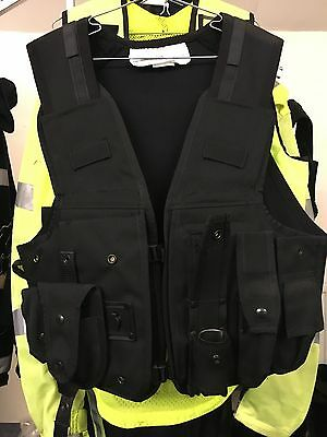 Ex Police Black Tactical Dig Handler Vest With Attachments Medium In Size