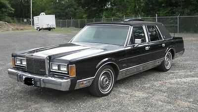 1989 Lincoln Town Car Signature Automobile