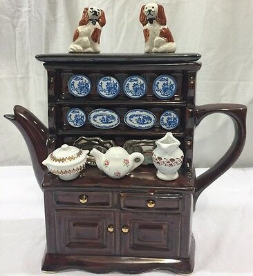 Teapottery Large Swineside Dresser Teapot With 2 English Spaniel Dogs On Lid